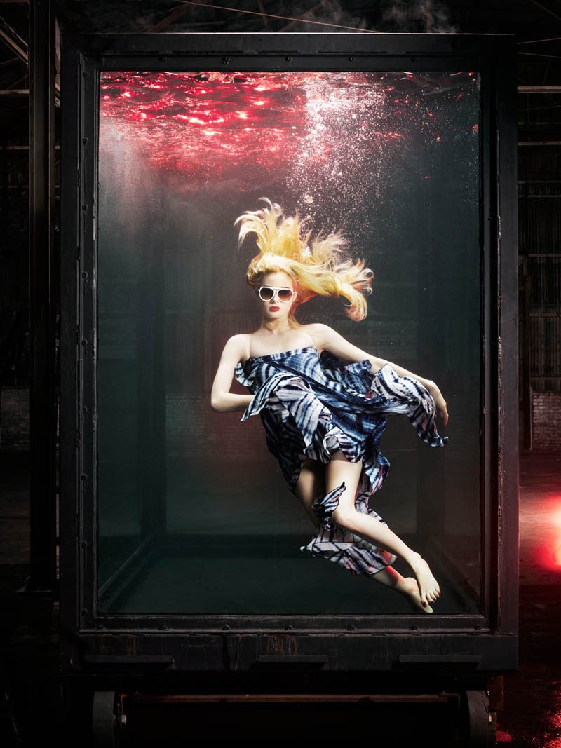 douglas friedman vogue italia4 Douglas Friedman Captures Underwater Style for Vogue Italia March 2013