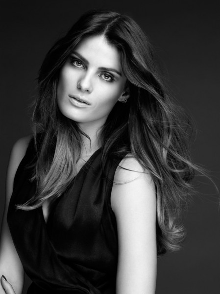 Isabeli Fontana Named as the New Ambassador of L'Oréal in Brazil and Latin America