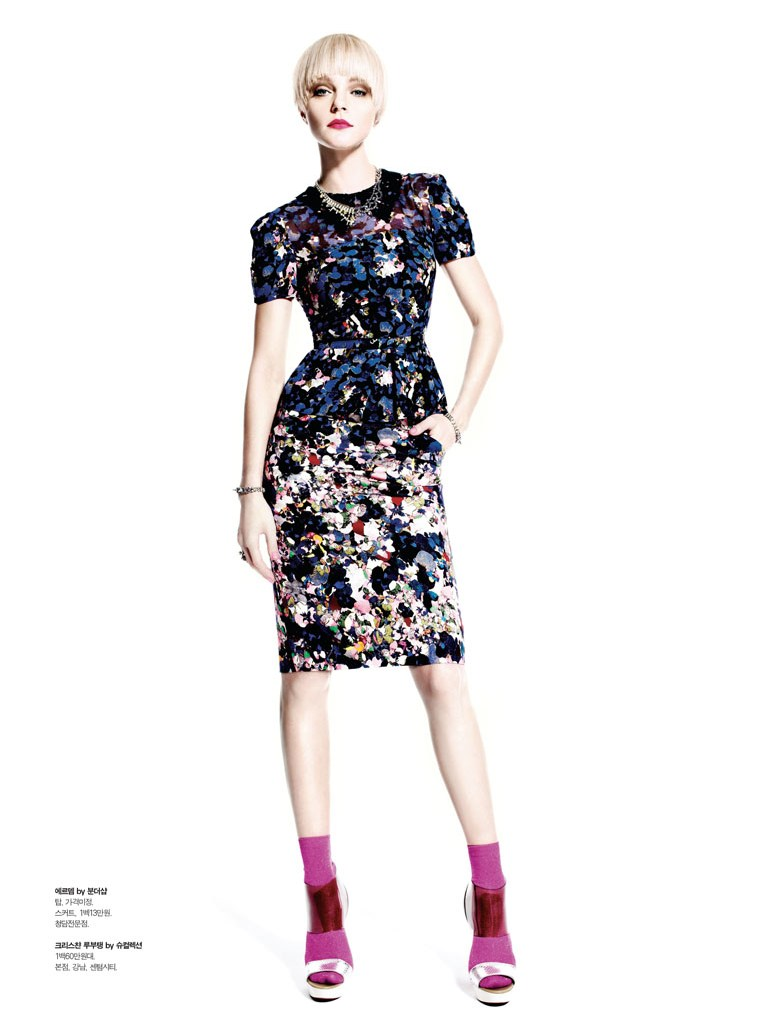 jessica stam s magazine4 Jessica Stam Poses for Victor Demarchelier in Spring Looks for S Magazine