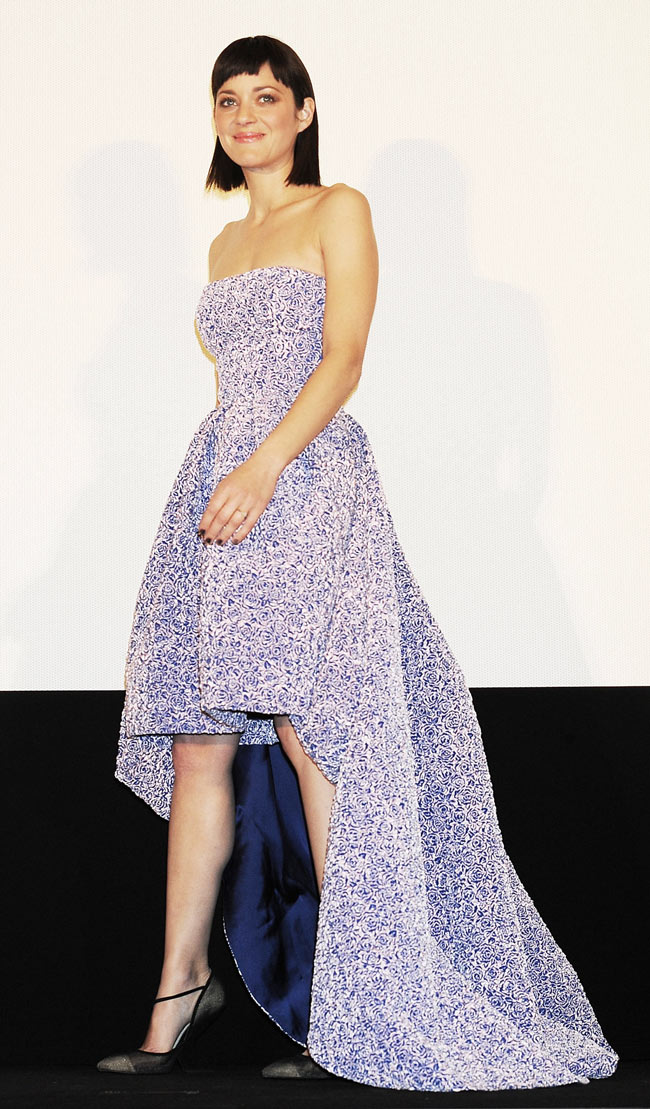 marion cotillard dior1 Marion Cotillard in Dior at the Rust and Bone Tokyo Premiere