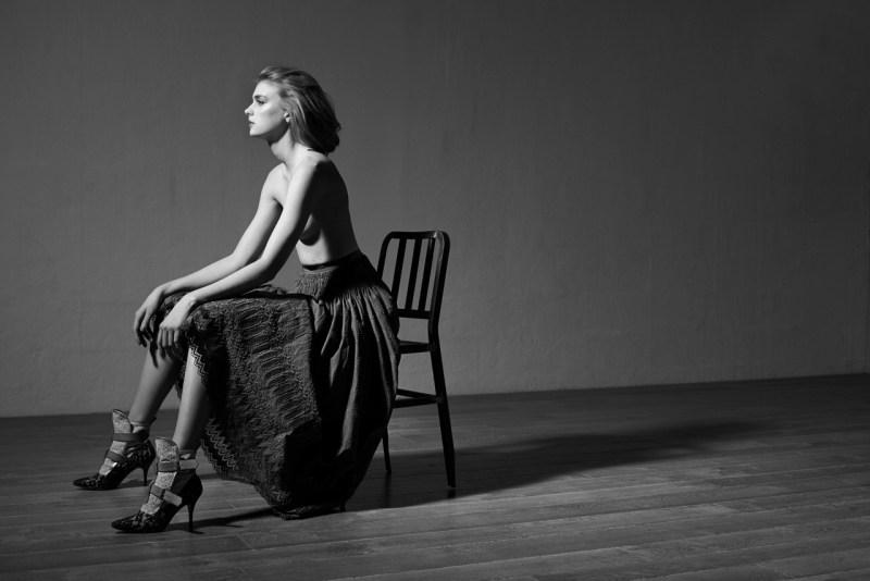 sigrid agren viva moda6 Sigrid Agren Evokes Modern Elegance for Viva! Moda by Eric Guillemain
