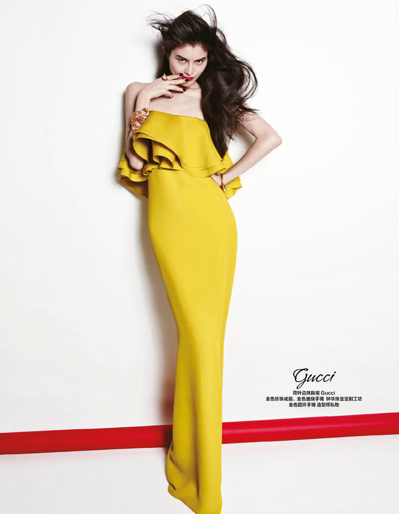 sui he bazaar china3 Sui He Models the Spring Collections for Harpers Bazaar Chinas March Cover shoot