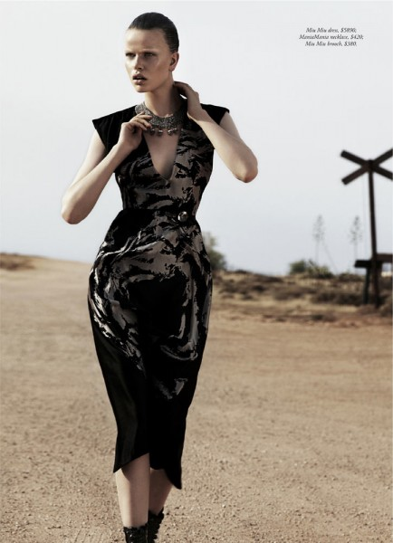 Marleen Gaasbeek is a Desert Queen for Simon Upton in Harper's Bazaar Australia April 2013