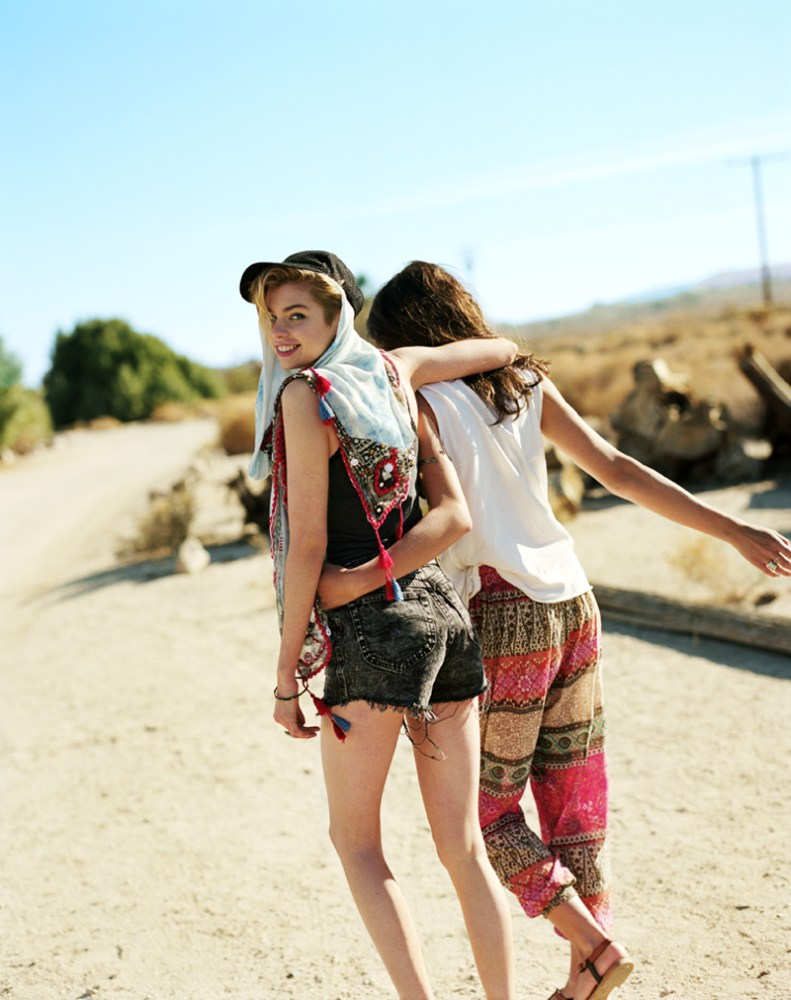 urban outfitters5 Rachel Rutt and Stella Maxwell Go on the Road for Urban Outfitters Festival Lookbook
