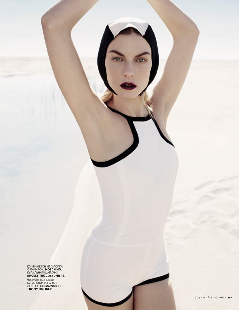 AngelaLindvallCatherineServel3 Angela Lindvall Wears Retro Swim in Catherine Servel's Vogue Russia May 2013 Spread
