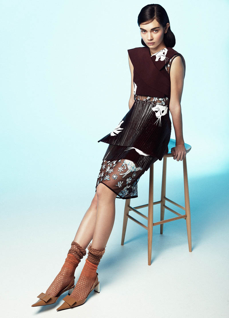 AntoninaTank6 Antonina Vasylchenko Poses for Toby Knott In Ladylike Fashions for Tank Spring 2013