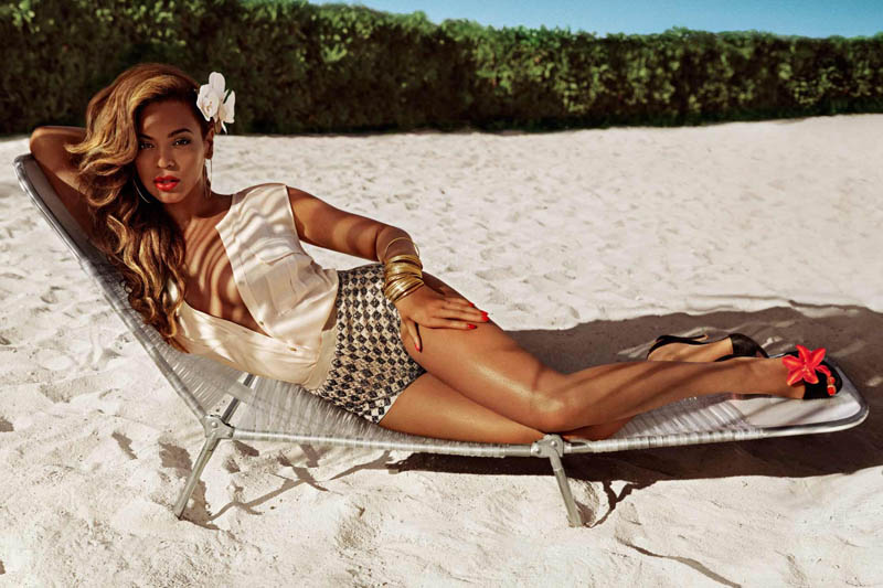 BeyonceHMSummer6 Beyonce Gets Tropical for H&Ms Summer 2013 Campaign