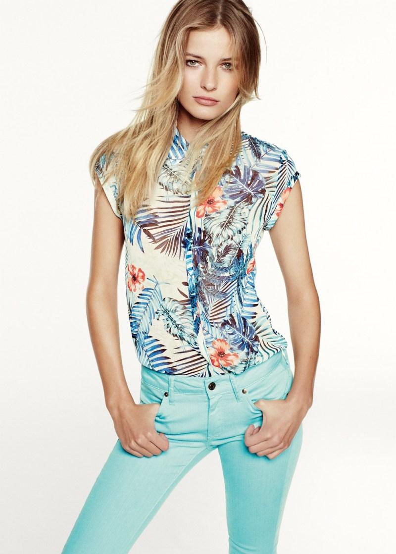 Edita Vilkeviciute Has a Stylish Summer for Mango's New Catalogue