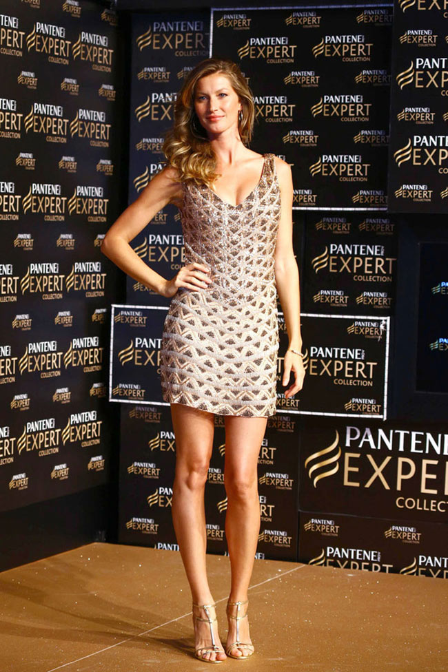 GISELE BUNDCHEN3 Gisele Bundchen Shows Off Her Tresses at Pantene P&G Event in Sao Paulo