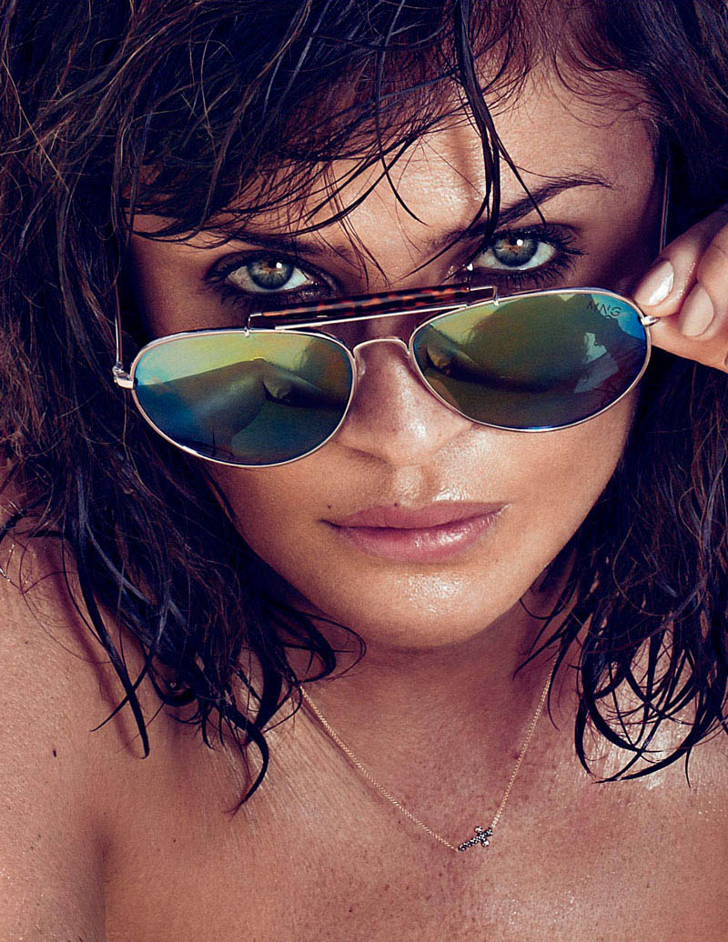 HELENA CHRISTENSEN by Xavi Gordo 04 Helena Christensen Sizzles for Xavi Gordo in Elle Spains May 2013 Cover Shoot