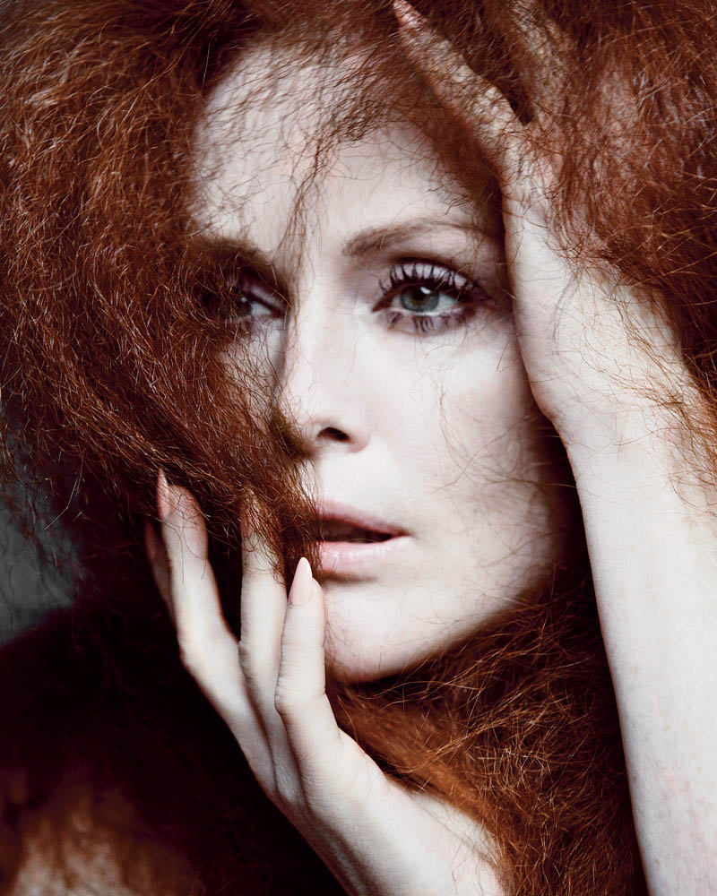 JulianneMooreTMag3 Julianne Moore Gets Dramatic for Inez & Vinoodh in T Magazines Spring Issue