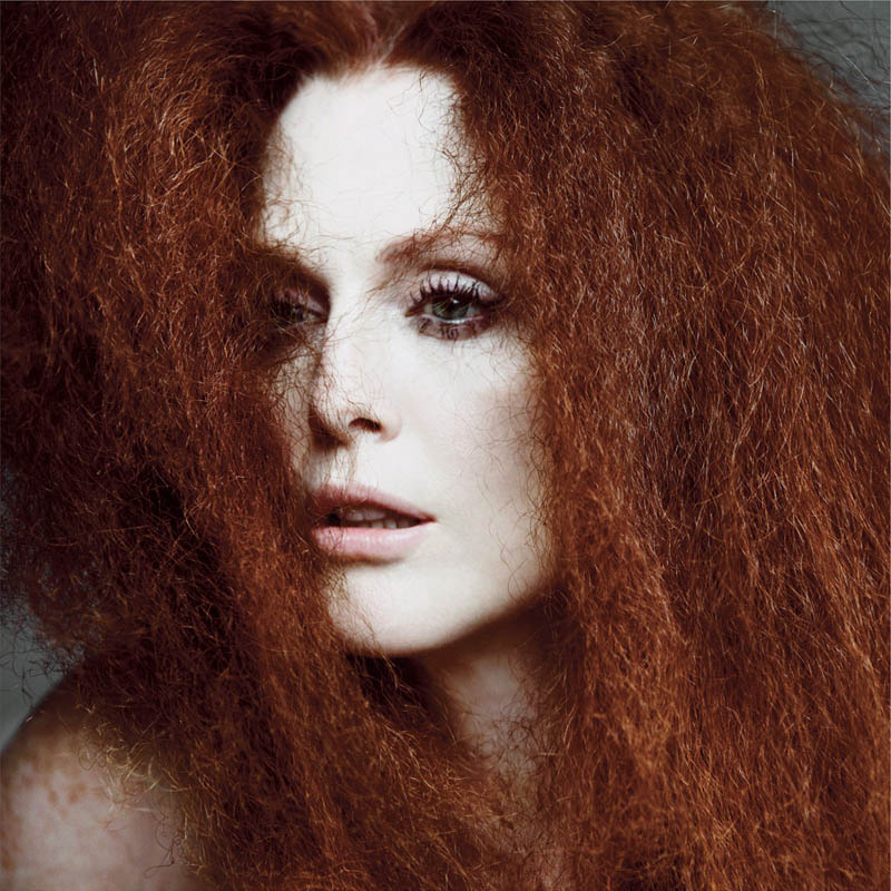 JulianneMooreTMag4 Julianne Moore Gets Dramatic for Inez & Vinoodh in T Magazines Spring Issue