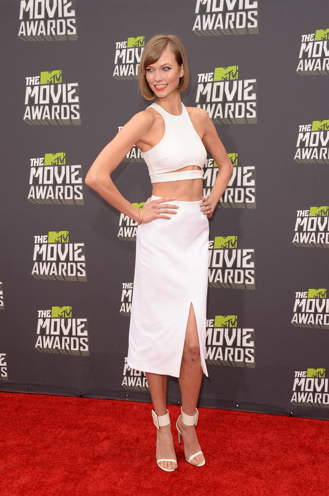 Karlie Kloss2 Karlie Kloss is White Hot in Cushnie et Ochs at the 2013 MTV Movie Awards