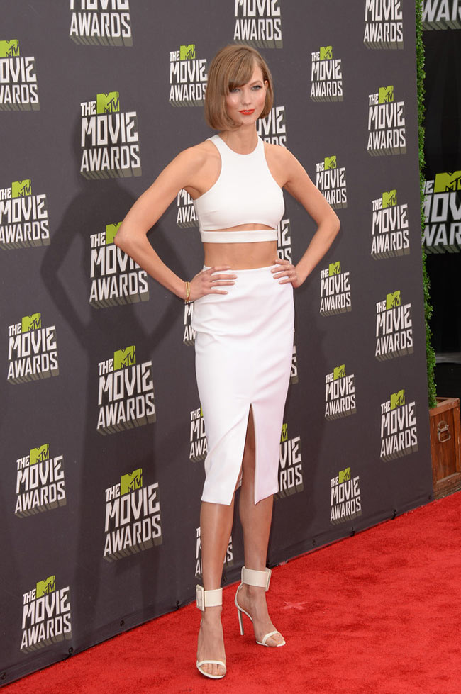 Karlie Kloss3 Karlie Kloss is White Hot in Cushnie et Ochs at the 2013 MTV Movie Awards