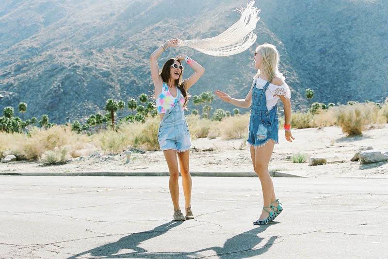 LFStoresLB17 Hannah Holman and Chelsea Tyler Have Summer Fun for LF Stores Festival Lookbook