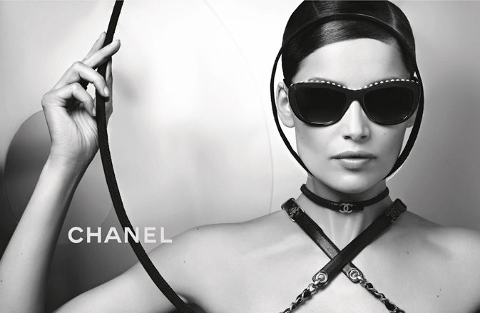Laetitia Casta wearing CHANEL 6038H sunglasses