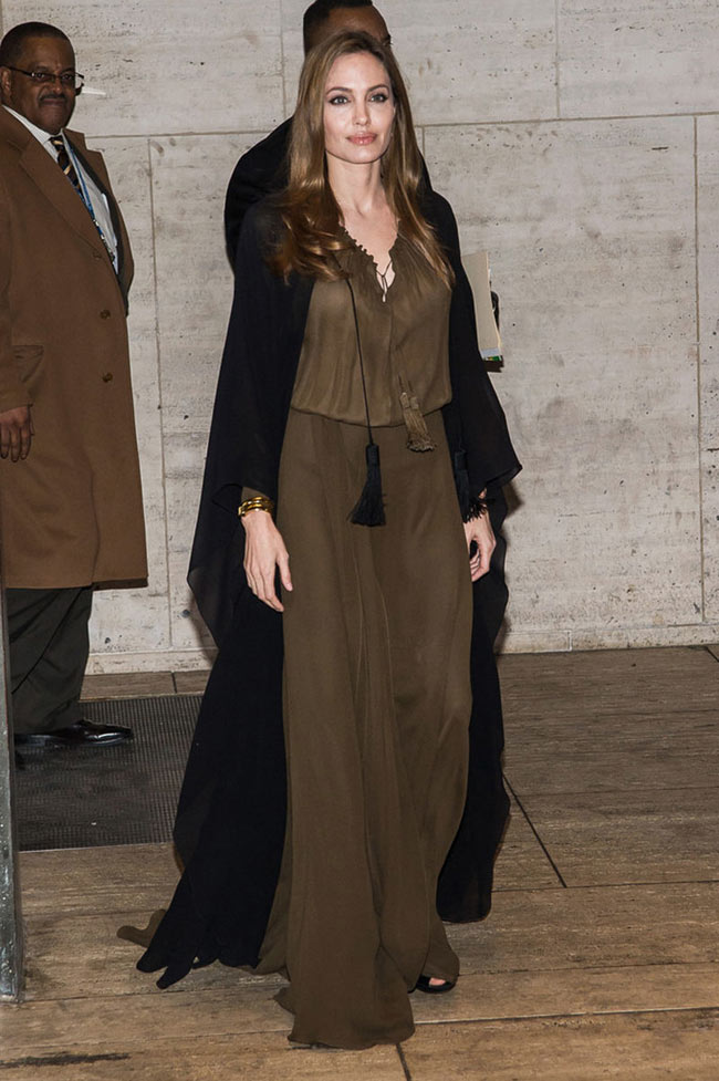 angelina saint laurent1 Angelina Jolie Dons Saint Laurent for the 4th Annual Women in the World Summit