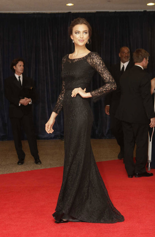 irina shayk1 Irina Shayk Gets Lacy in Dolce & Gabbana at The 2013 White House Correspondents Association Dinner