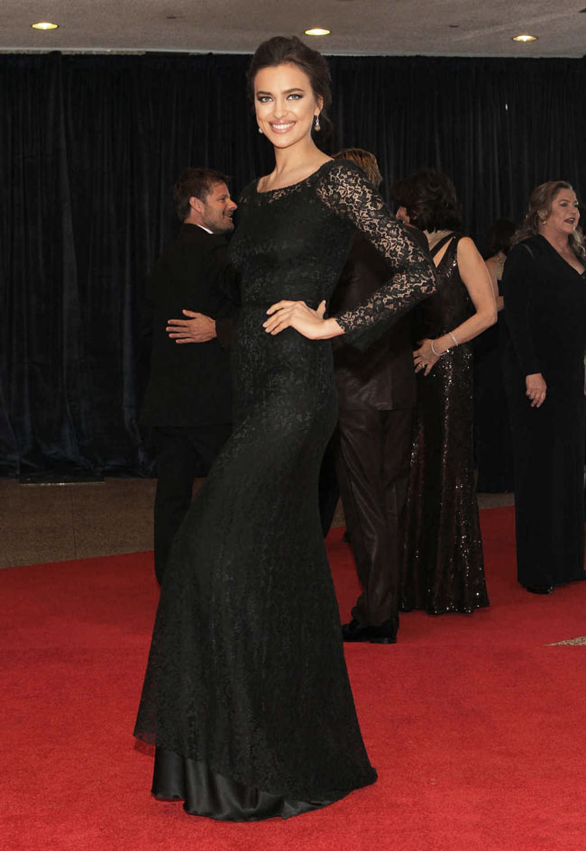 irina shayk2 Irina Shayk Gets Lacy in Dolce & Gabbana at The 2013 White House Correspondents Association Dinner