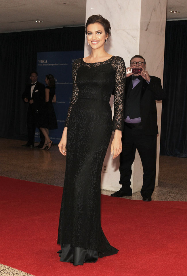 irina shayk3 Irina Shayk Gets Lacy in Dolce & Gabbana at The 2013 White House Correspondents Association Dinner