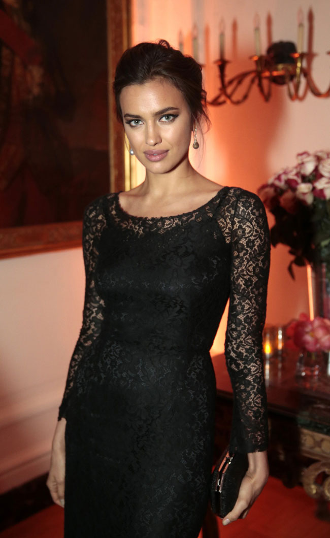 irina shayk4 Irina Shayk Gets Lacy in Dolce & Gabbana at The 2013 White House Correspondents Association Dinner