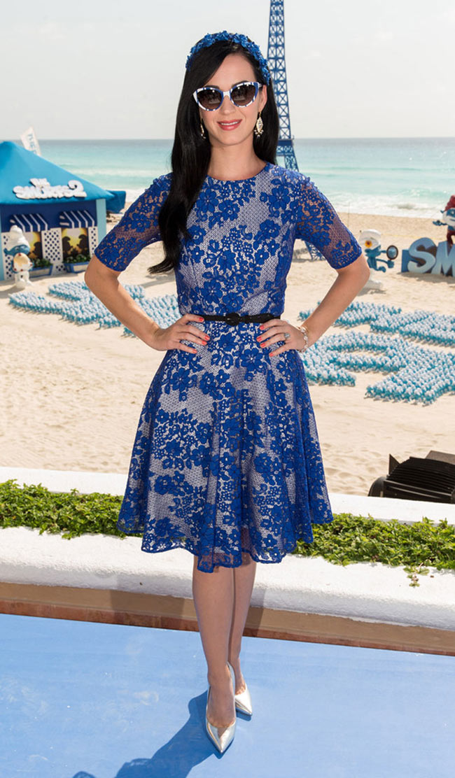 katy perry monique1 Katy Perry is Ladylike in Monique Lhuillier at The Smurfs 2 Photocall in Cancun