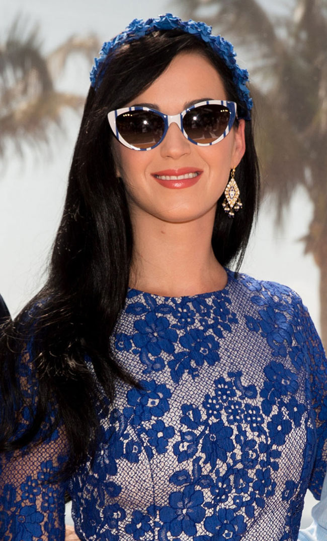 katy perry monique2 Katy Perry is Ladylike in Monique Lhuillier at The Smurfs 2 Photocall in Cancun