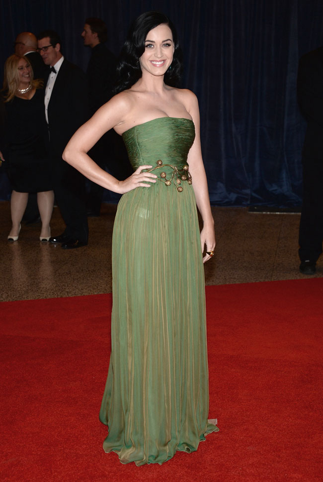 katy perry2 Katy Perry Wears Giambattista Valli at the 2013 White House Correspondents Association Dinner