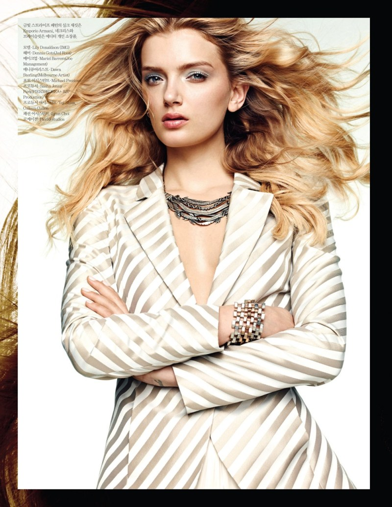 lily donaldson elle korea1 Lily Donaldson Rocks Emporio Armani for Elle Koreas April 2013 Cover Story