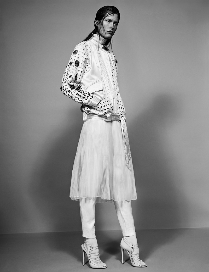 10 FW130405Soma 23076 Ilva Heitmann Dons All White for SOMA Magazine by Felix Wong