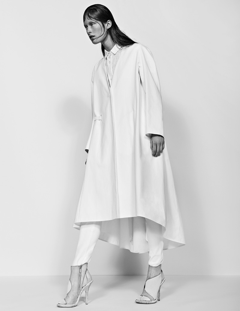 7 FW130405Soma 22674 Ilva Heitmann Dons All White for SOMA Magazine by Felix Wong
