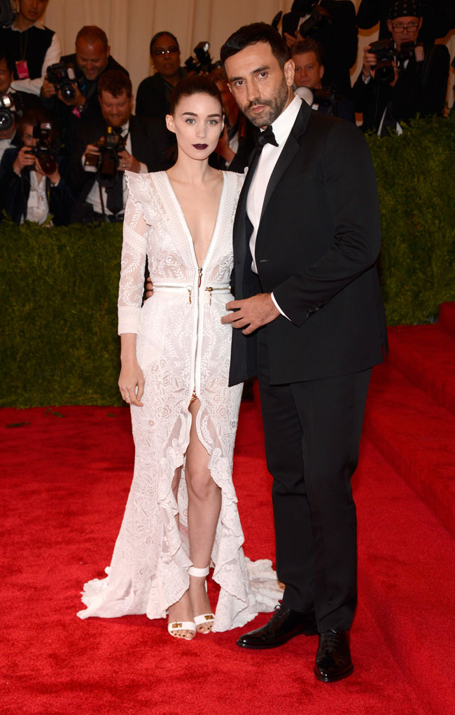 Rooney Mara2 Rooney Mara Wears Givenchy Haute Couture to the 2013 Met Gala