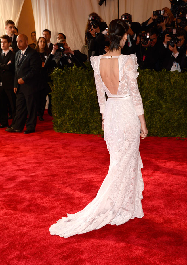 Rooney Mara3 Rooney Mara Wears Givenchy Haute Couture to the 2013 Met Gala