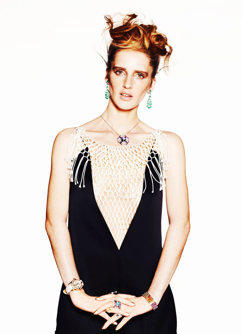 SHOT 06 sts arvedcolvin smith copy Sara Steiner Dons Elegant Gems for The Sunday Times Style by Arved Colvin Smith