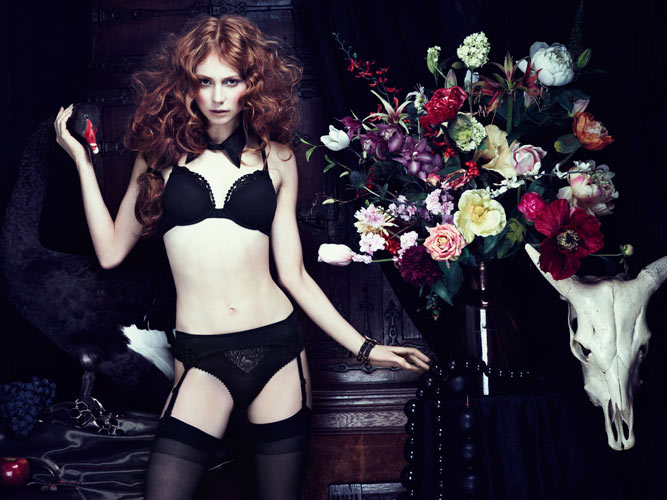 The Mauritshuis black Marlies Dekkers Gets Inspired by The Mauritshuis for Fall 2013 Lingerie Campaign
