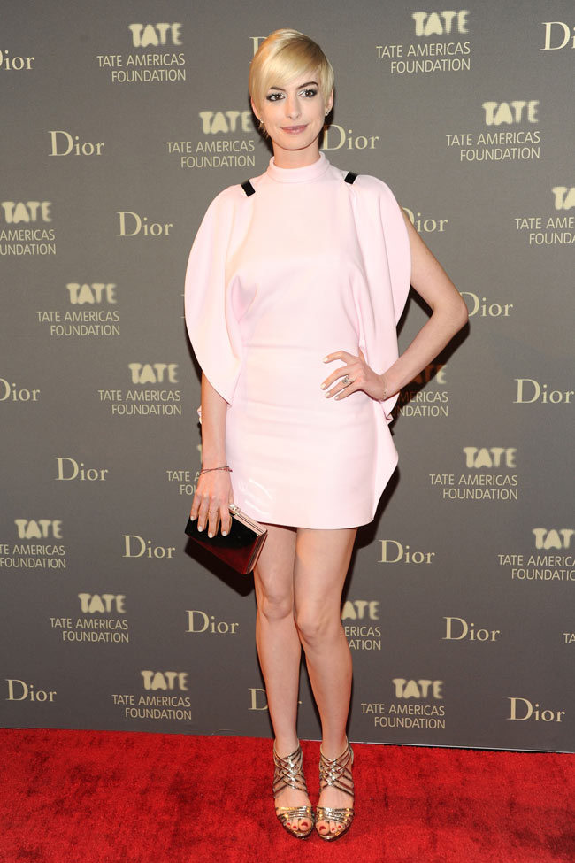 anne givenchy spring 2013 Anne Hathaway is a Givenchy Blonde at the 2013 Tate Americas Foundation Artists Dinner