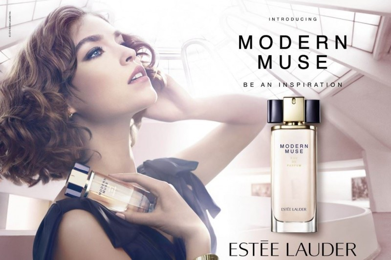 arizona muse estee lauder 800x533 Arizona Muse Lands Estee Lauder Modern Muse Fragrance Campaign