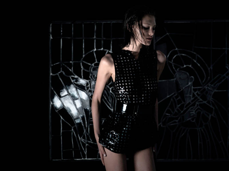 catherine mcneil shoot2 Catherine McNeil is Darkly Seductive for Numéro #143 by Wing Shya