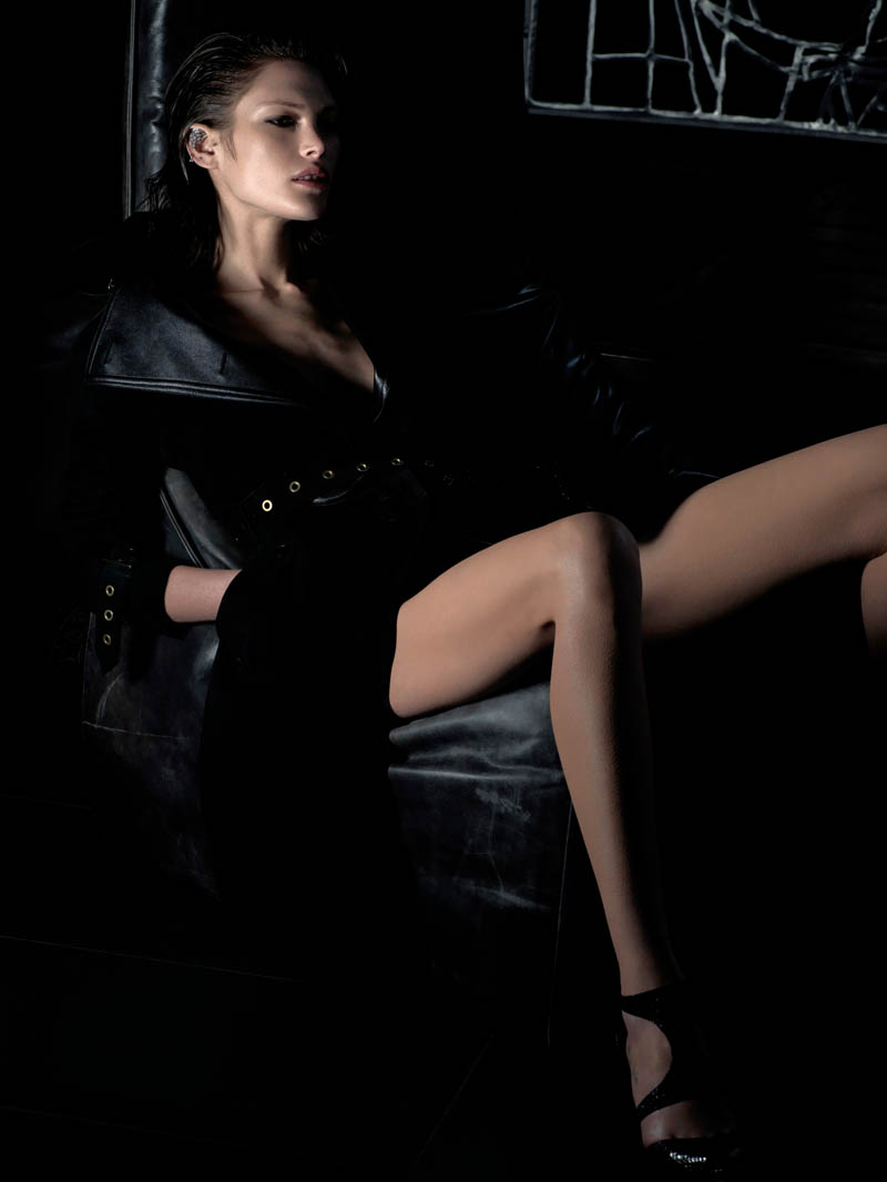 catherine mcneil shoot6 Catherine McNeil is Darkly Seductive for Numéro #143 by Wing Shya