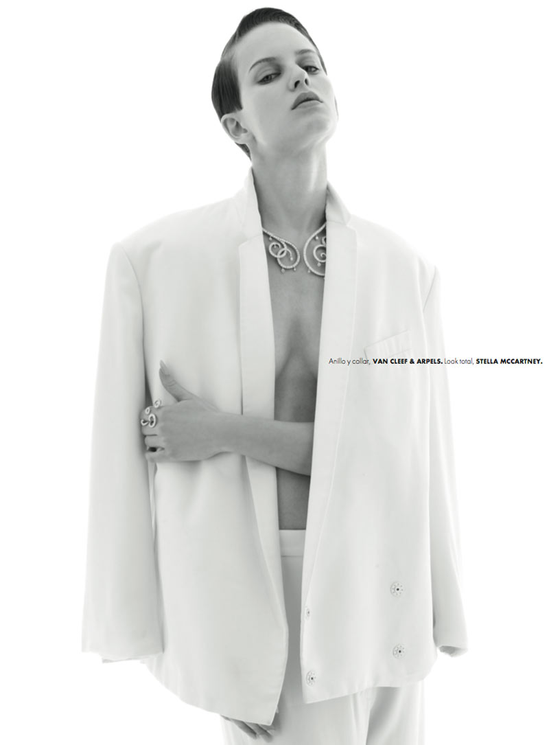 ellinore erichsen5 Ellinore Erichsen is a Minimalist for Elle Mexico May 2013 by Manolo Campion
