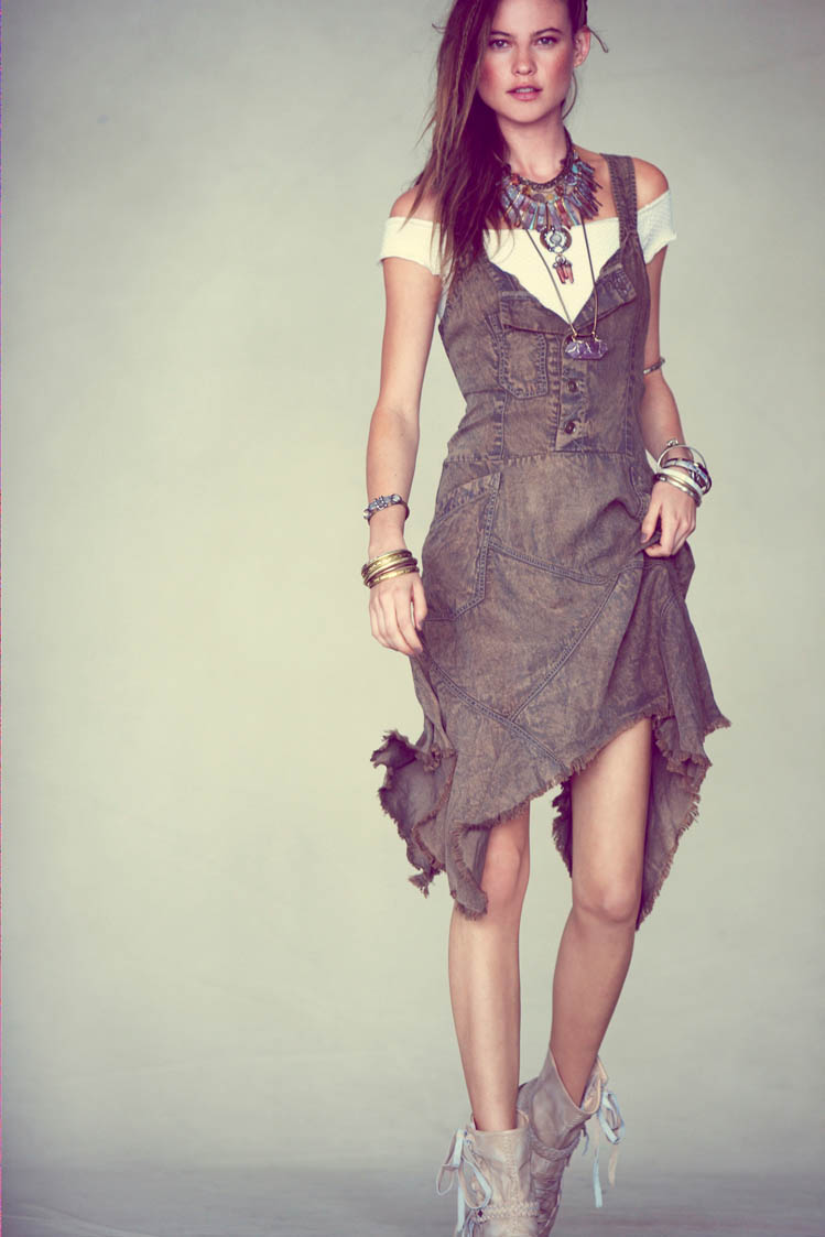 free people behati prinsloo5 Behati Prinsloo Fronts Free Peoples June e Catalog