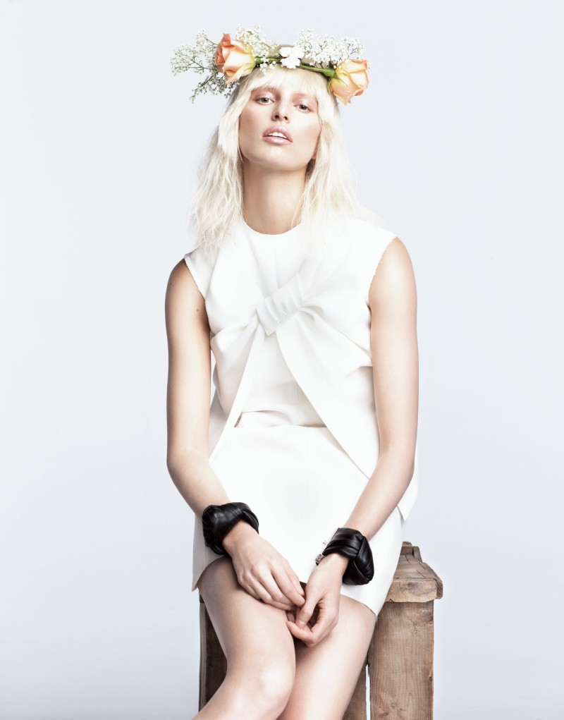 karolina kurkova numero7 Karolina Kurkova is a Flower Child for Numéro Tokyo June 2013 by Nino Muñoz