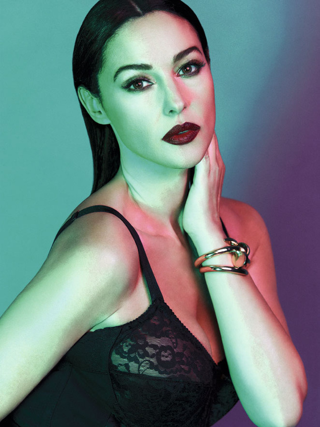 monica belluci 1276 635x Monica Bellucci Gets Sultry in Dolce & Gabbana for S Moda May 2013