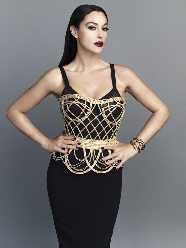 monica belluci 3264 635x Monica Bellucci Gets Sultry in Dolce & Gabbana for S Moda May 2013