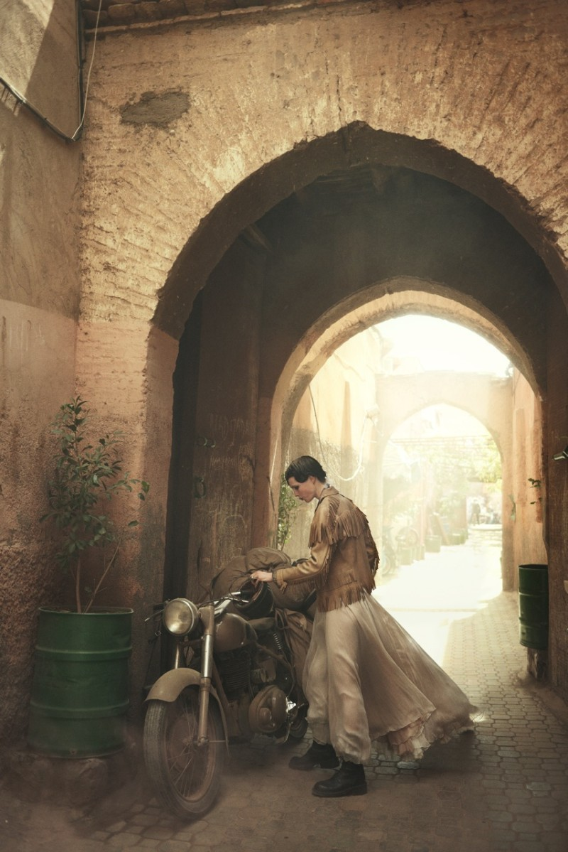 peter lindbergh edie campbell1 Edie Campbell Poses in Morocco for Peter Lindbergh in Vogue US June 2013