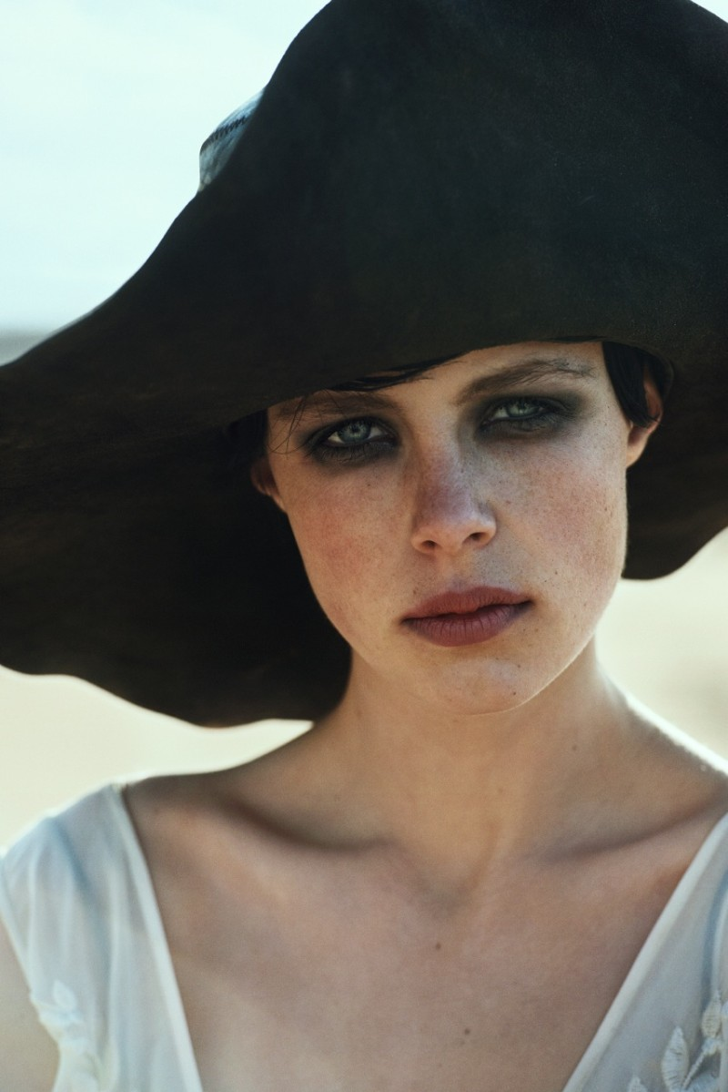 peter lindbergh edie campbell11 Edie Campbell Poses in Morocco for Peter Lindbergh in Vogue US June 2013