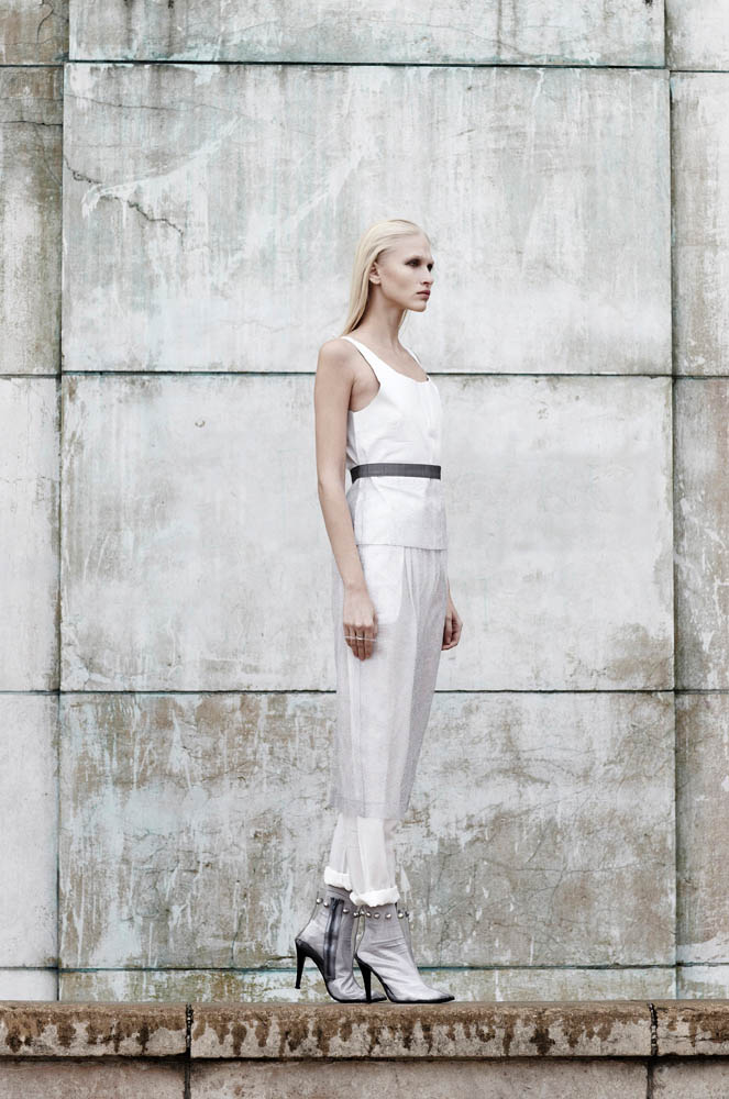 statue blanc5 Yulia Lobova by Emily Laye in Statue Blanc for Fashion Gone Rogue