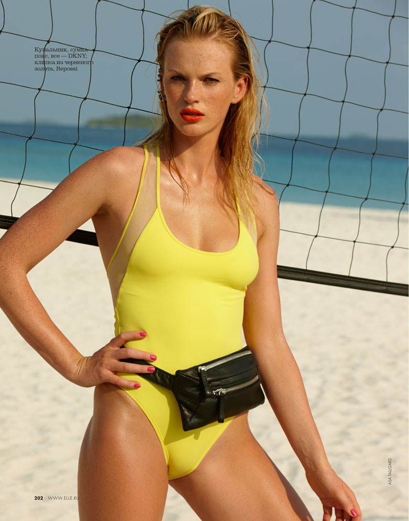 05 elle russia june13 80s anne v asa tallgard 800 Anne Vyalitsyna Hits the Beach for Elle Russia June 2013 Cover Story by Asa Tallgard