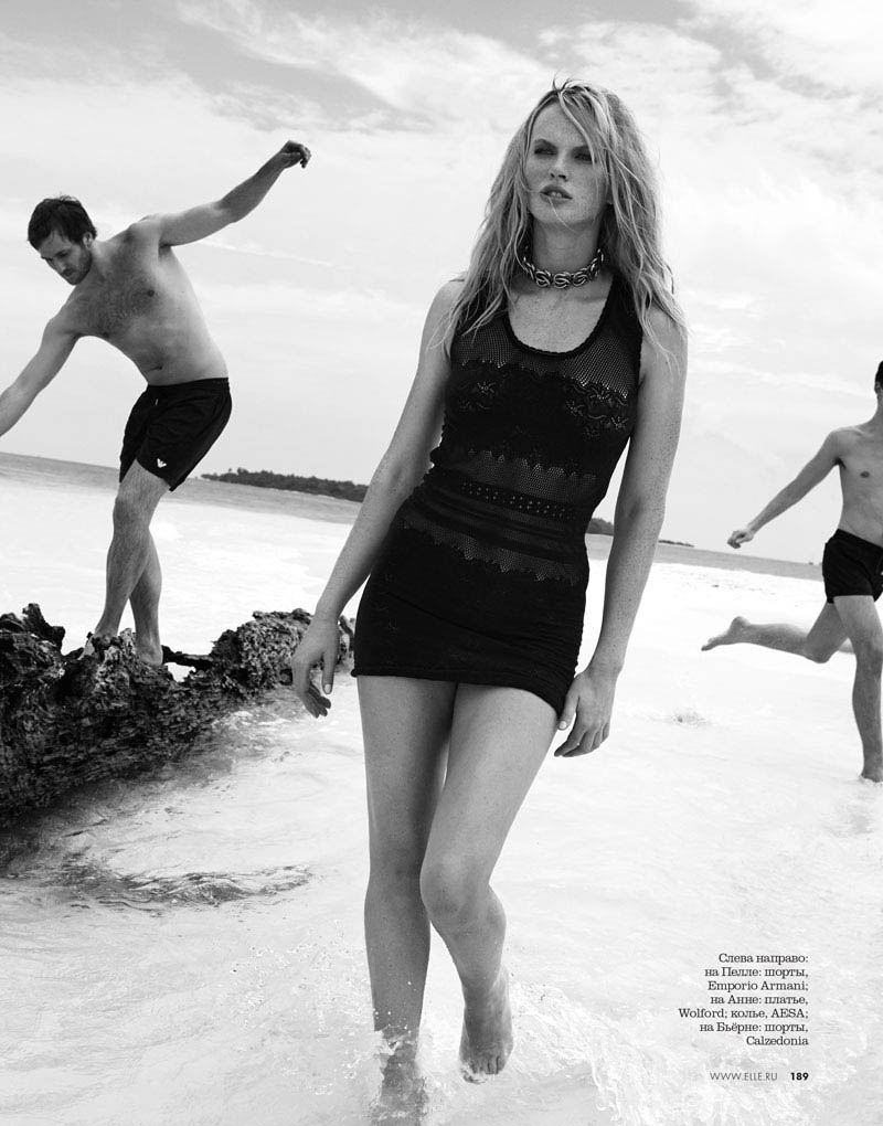 05 elle russia june13 bw anne v asa tallgard 800 Anne Vyalitsyna Sports Monochromatic Swim for Elle Russia by Asa Tallgard