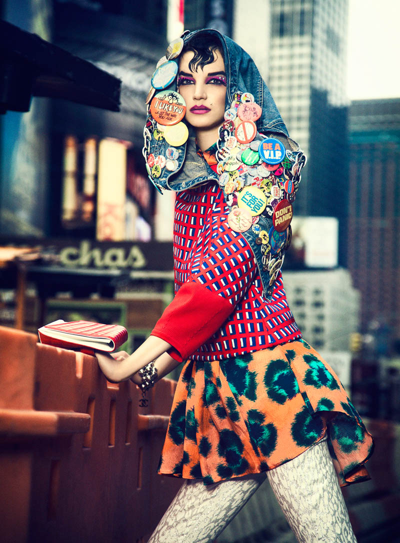 Elle Mexico 3 705 3 Jessica Pitti Gets Colorful for Yossi Michaeli in Elle Mexico June 2013